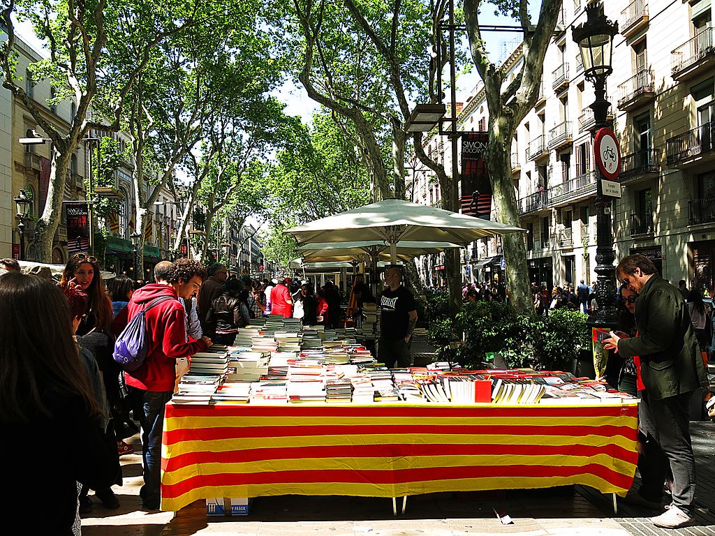 Barcelona | Sant Jordi - Dragons, books and roses | Oxford House Barcelona