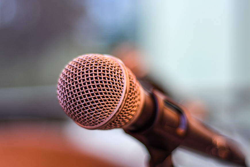 5 famous speeches to help you learn English | Oxford House Barcelona