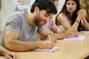 Choose the IELTS exam. Study at Oxford House Barcelona