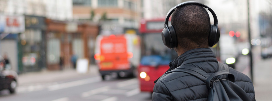 Improve your English Listening Comprehension at Oxford House Barcelona