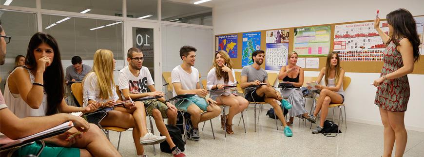 Clases de inglés económicas en Oxford House Barcelona