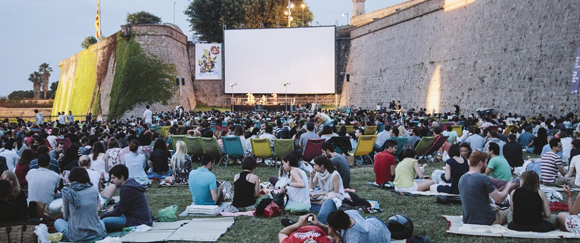 7 Films to Practise Your English in Barcelona This July | Oxford House Barcelona